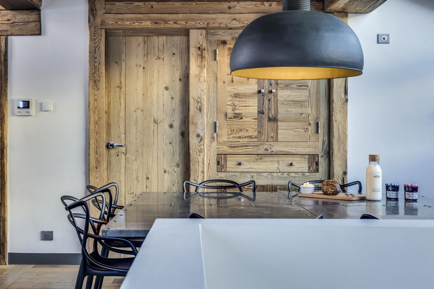 Chalet Daria - Luxury Chalet - Val D'Isère - Breakfast - Metal Table